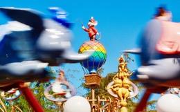 """Cựu nhân viên từng làm việc 30 năm tiết lộ """"thần chú"""" quyến rũ khách hàng và """"phép màu"""" giúp Disneyland trở thành thiên đường nơi hạ giới"""