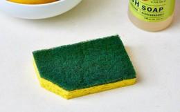 Bạn có biết vì sao nên cắt một góc của miếng rửa bát?