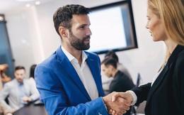 """8 mẹo giao tiếp bằng cử chỉ giúp """"nâng cấp"""" khả năng ngoại giao của bạn"""