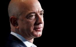 """Jeff Bezos: Nhà tài phiệt """"ngoa ngoắt""""?"""