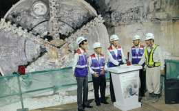 """Robot """"siêu khủng"""" gần 4 triệu USD đã xuyên thủng 781m dưới lòng đất cho nhà ga Metro Sài Gòn"""