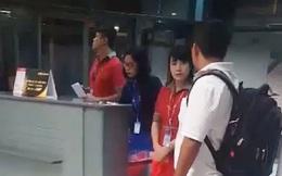 Vietjet Air lên tiếng về clip nữ nhân viên xé thẻ lên máy bay của hành khách đến muộn khi đã đóng cổng gây tranh cãi