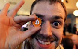 Giá bitcoin hồi phục gần 1.000 USD, bitcoin cash giảm một nửa chỉ trong 1 ngày