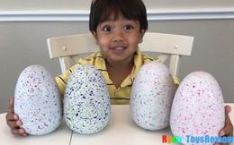 Cậu bé 6 tuổi thu nhập 11 triệu USD hàng năm nhờ kênh Youtube có lượt xem cao ngất ngưởng