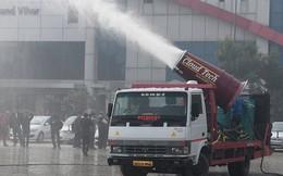 Đây là khẩu thần công giúp làm sạch bầu không khí ô nhiễm tại New Delhi, Ấn Độ, có thể phun 100 lít nước/phút