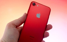 iPhone 7 đỏ tại Việt Nam bán chẳng mấy ai mua, chiến thuật ngáng đường Galaxy S8 của Tim Cook đã phá sản?