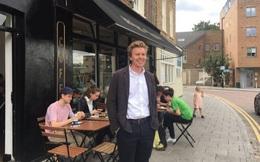 Bí quyết thu lãi lớn, khách kéo đến ngày càng đông của một quán cà phê: Không nhận 1 đồng tiền mặt, chỉ cho quẹt thẻ