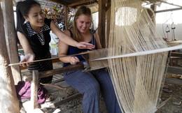 Cho người nghèo dạy 'Tây' đánh cá, luyện kim, điêu khắc,... Startup này đang tạo nên điều kỳ diệu tại châu Á