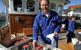 Từ người đánh cá trở thành tỷ phú tự thân, người đàn ông này quyết dùng 2 tỷ đô vào việc không ai ngờ