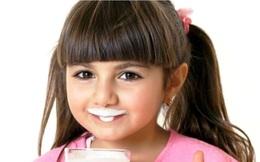 """Nước uống, sữa, thực phẩm là """"ngôi sao sáng"""" về tăng trưởng ngành FMCG quý 3"""