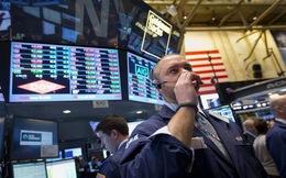 Gạt bỏ nỗi lo về Washington, Dow Jones lập đỉnh mới nhờ Chủ tịch Fed