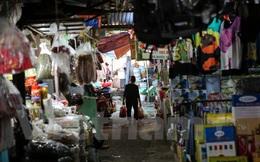 """Hà Nội: Chợ Ngã Tư Sở ế ẩm, tiểu thương """"sống dở chết dở"""""""