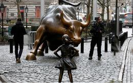 Vì sao ngày 8/3 người Mỹ dựng tượng bé gái phía trước con bò nổi tiếng phố Wall?