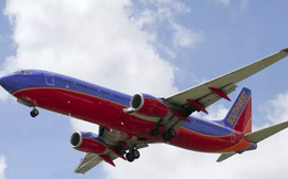 """Nghĩ không ra cách cạnh tranh với hàng không giá rẻ, sếp hãng bay lớn thứ 2 nước Mỹ nhắn nhủ các cổ đông: """"Mọi người cứ bình tĩnh""""!"""