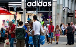 Hợp tác bán hàng online với Amazon nhưng CEO của Adidas lại gọi đây là một 'cuộc chiến' mạo hiểm