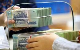 """Vì sao các """"ông lớn"""" ngân hàng lại gấp gáp tăng lãi suất huy động?"""