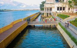 """Cầu đi bộ lát gỗ lim 64 tỷ trên sông Hương trở thành địa điểm """"hot"""" nhất ở Huế dù chưa khánh thành"""