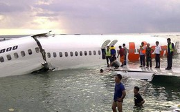 Indonesia: Máy bay chở 189 người lao xuống biển, có 20 quan chức chính phủ, mảnh vỡ vương vãi
