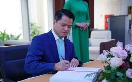 Giá cổ phiếu VPBank giảm mạnh hơn 50% trong 7 tháng, Chủ tịch Ngô Chí Dũng và người thân muốn chi 400 tỷ đồng 'bắt đáy'
