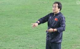 """""""Cánh tay phải"""" Lee Young-jin chia sẻ điều giúp thầy Park vượt qua các trận kịch chiến"""