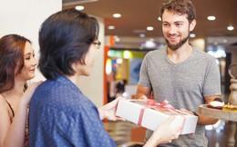 10 mẹo mua sắm siêu tiết kiệm cho mùa Giáng sinh: Túi tiền eo hẹp vẫn có quà đẹp!