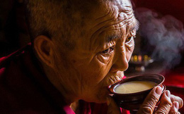 Trà bơ và muối - thức uống phải đi gần 4.000km mới đến nơi, giúp người Tây Tạng tồn tại hàng ngàn năm giữa cao nguyên lạnh giá