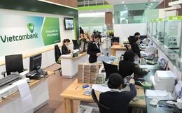 Không chỉ tăng phí dịch vụ SMS Banking lên 11.000 đồng, từ 1/3 Vietcombank còn thu phí chuyển tiền cùng hệ thống qua Mobile Banking