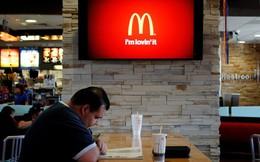 McDonald's đuổi người vô gia cư ra khỏi cửa hàng bị cộng đồng mạng phản ứng gay gắt, hành động của McDonald's đúng hay sai?