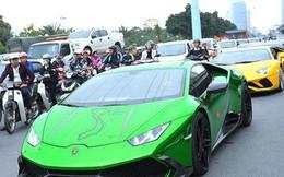 """Dàn siêu xe triệu đô """"gầm rú"""" trên đường phố Hà Nội"""