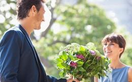 Vì sao đàn ông nên tặng hoa cho người yêu thương của mình trong ngày 8/3? Câu chuyện bắt nguồn từ một ý nghĩa tuyệt vời