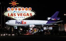 """""""Liều ăn nhiều"""" như CEO FedEx: Cầm 5.000 USD cuối cùng để chơi """"xì dách"""", thắng 32.000 USD và xây dựng nên đế chế tỷ đô"""