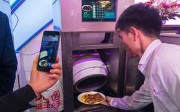 Kĩ sư Trung Quốc tạo ra con robot thông minh biết nấu ăn vì vợ ông cằn nhằn hơi nhiều