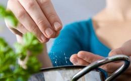 5 cách đơn giản để giảm lượng muối đưa vào người mình mỗi ngày