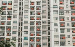 """Những con phố, chung cư cao tầng ở Hà Nội """"nhuộm"""" đỏ cờ Tổ quốc trong ngày giải phóng miền Nam thống nhất đất nước"""