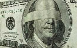 Chúng ta có đang liều chết làm việc kiếm tiền rồi lại trở thành nô lệ của đồng tiền?