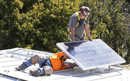 Nơi đầu tiên trên thế giới ra luật: Bắt buộc người dân mua nhà phải mất thêm hơn 200 triệu đồng để lắp pin năng lượng mặt trời trên mái