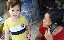 """Người mẹ nghèo sinh 14 đứa con ở Hà Nội: """"Cố gắng tích góp để lỡ nằm xuống còn có cỗ quan tài, chứ chẳng phiền các con"""""""