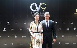 Vợ chồng Công Vinh ra mắt học viện bóng đá CV9