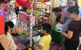 """Thị trường đồ chơi """"rộn ràng"""" trong ngày 1/6"""