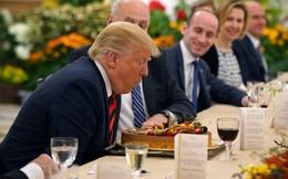 Ông Trump bất ngờ được Thủ tướng Lý Hiển Long tổ chức sinh nhật sớm tại Singapore