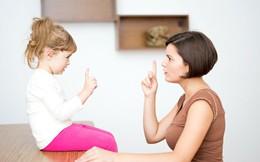 """Chưa phải dạy gì cao xa cho con, bố mẹ trước tiên phải dạy con cách nói lời """"Cảm ơn"""", """"Xin lỗi"""" một cách chân thành"""