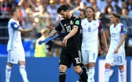 Dưới cái bóng Ronaldo: Messi - vinh quang tột cùng có bao giờ đến với kẻ ích kỷ