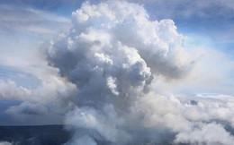 """""""Thảm họa trên không"""" từng giết 12.000 người ở Anh giờ lại lơ lửng trên đầu người Hawaii"""