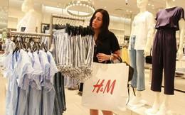H&M loay hoay với số quần áo trị giá 4 tỷ USD tồn kho: Bán rẻ thì sợ ảnh hưởng tới danh tiếng, đang có ý định sẽ làm từ thiện hoặc tái chế