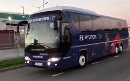 Thua Hàn Quốc vẫn chưa đủ, đội tuyển Đức còn ra về bằng xe buýt của Hyundai