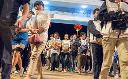 Lò luyện thi đại học tại Trung Quốc: Nơi không có trò chơi điện tử, phòng Bida hay quán Internet