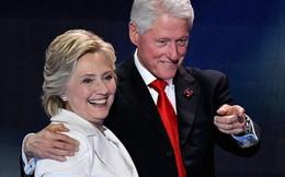 Nhà Clinton đã trả hết nợ và kiếm hàng trăm triệu USD như thế nào?