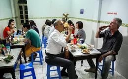 Đầu bếp nổi tiếng Anthony Bourdain - người ăn bún chả cùng ông Obama ở Việt Nam qua đời ở tuổi 61