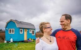 Chán cảnh thuê nhà đắt đỏ, cặp vợ chồng tự xây căn nhà nhỏ xíu nhưng đầy đủ tiện nghi giữa cánh đồng