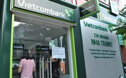 Vietcombank thông báo dừng tăng phí rút tiền ATM